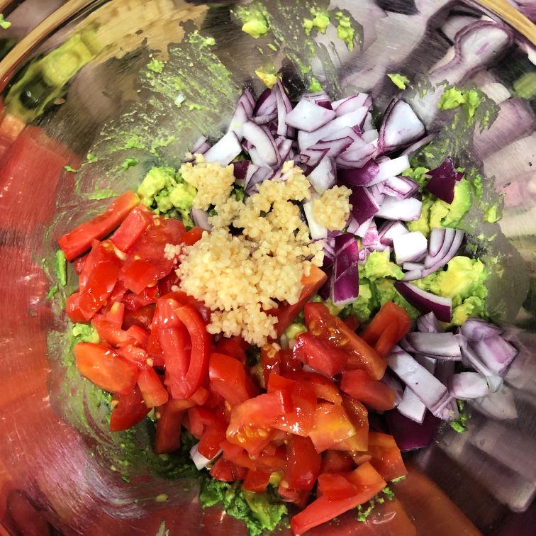 pre-mixed guacamole