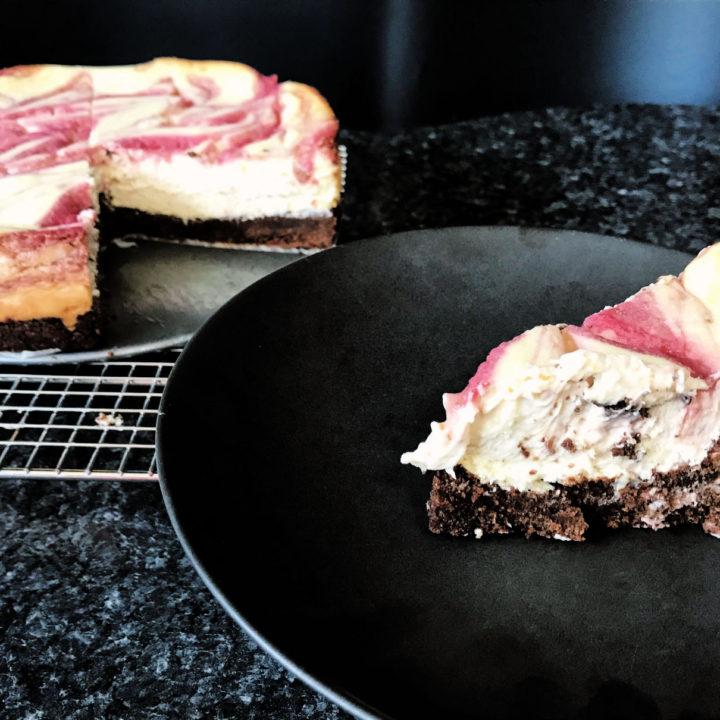 Keto Strawberry Swirl Cheesecake with an Oreo Cookie Crust Recipe Card