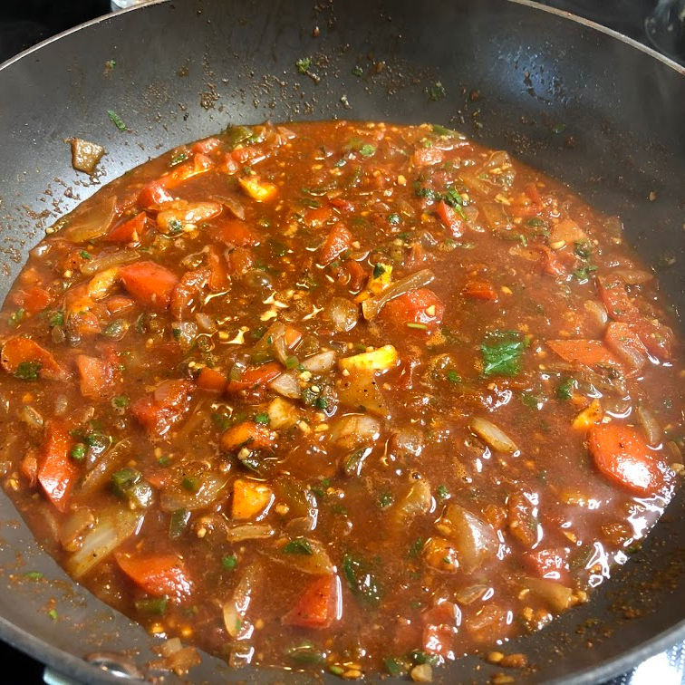 ranchero sauce simmering