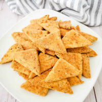 Everything Bagel Keto Crackers on plate