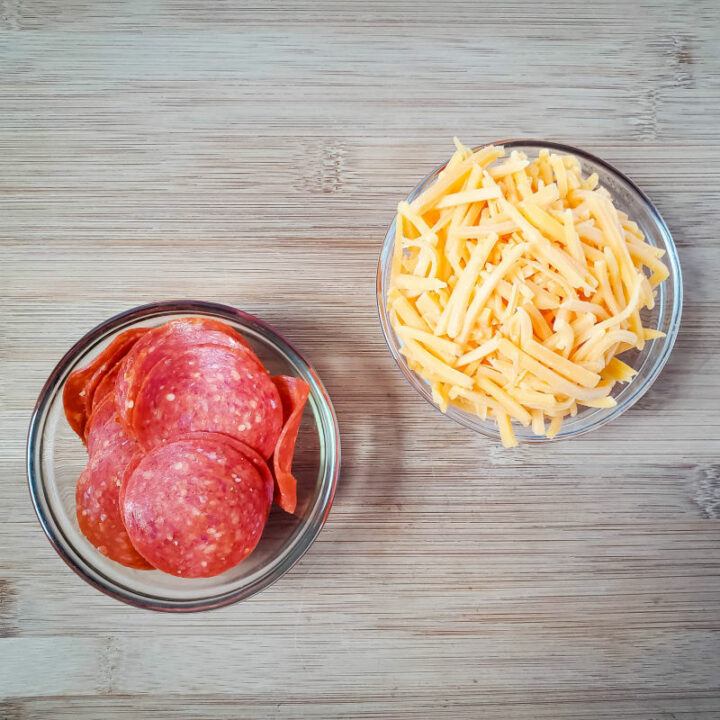 Keto Pepperoni Cheese Chips ingredients