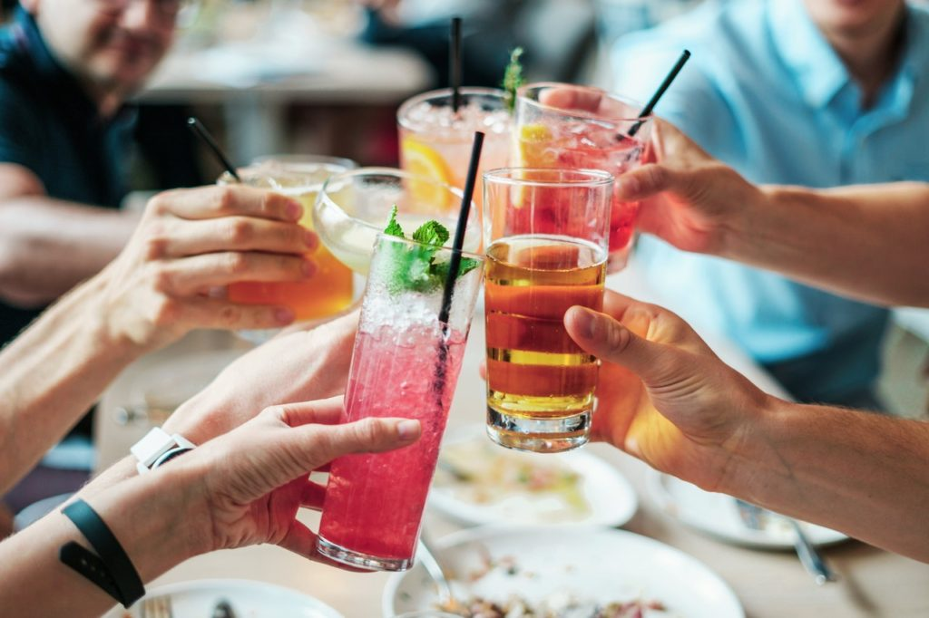 Best Keto Alcohol Drinks Summer Group Gathering
