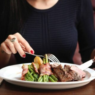 eating out on keto steak with vegetables