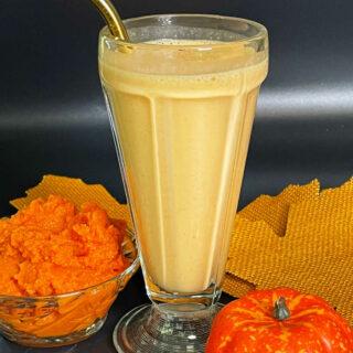 Keto Pumpkin Spice Protein Smoothie FEATURE 2